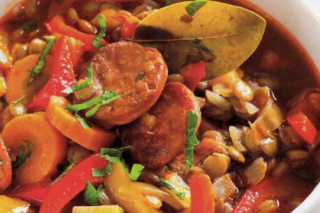Hiszpanska Zupa Z Soczewicy Z Kielbasa Chorizo