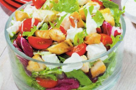Grecka Salatka z Kurczakiem Grecka sa Atka z Kurczakiem